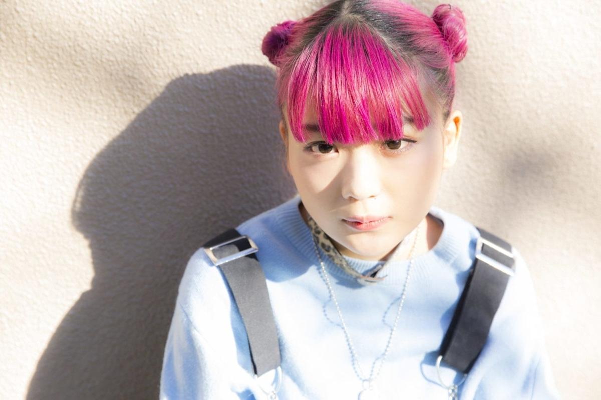 雰囲気かわいい女性アーティストの北澤ゆうほ