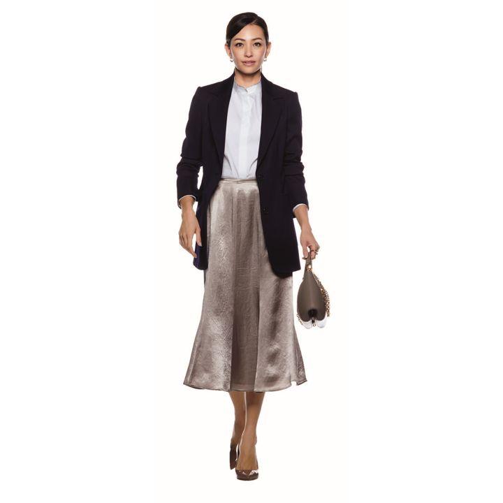 Presious.jp 秋の紺ジャケットコーデ13選|紺ジャケットに合うズボンやスカートの大人コーデ集【2019年】