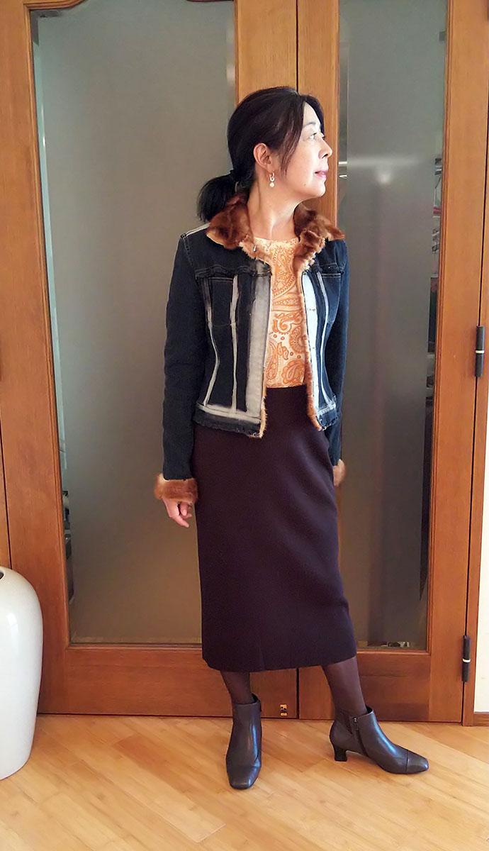 パオラフラーニのデニムジャケットとFOXEYのニットスカート
