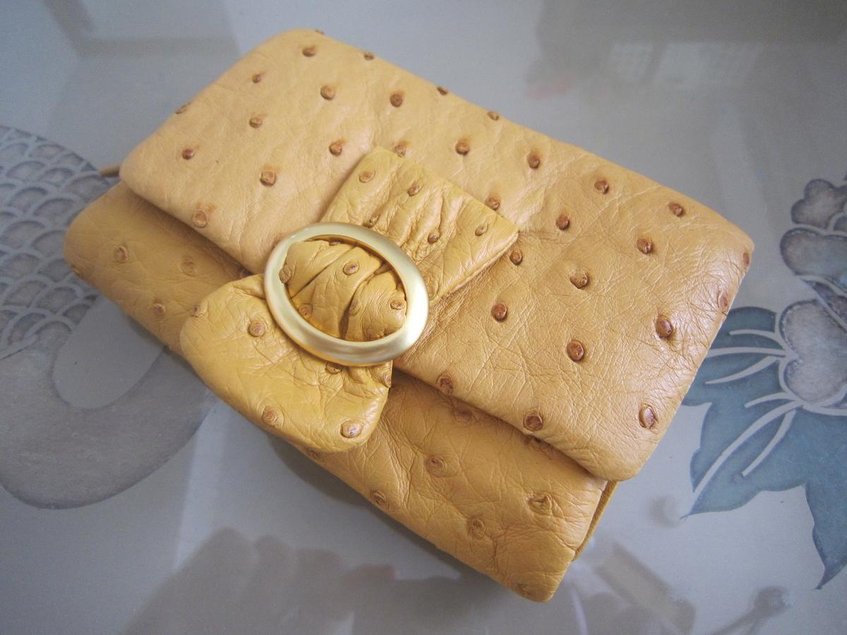 オーストリッチの折り畳み財布
