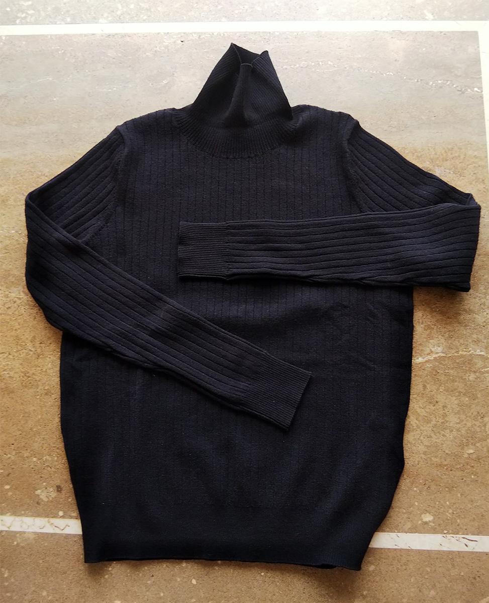 ソフトウール・リブハイネックセーター