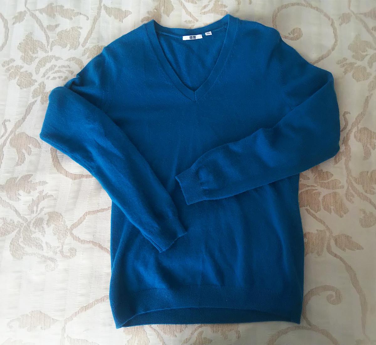カシミアVネックセーター
