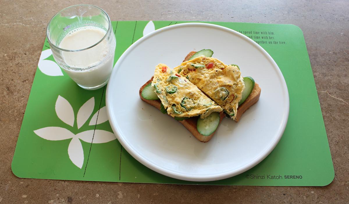 豆乳とエッグトースト