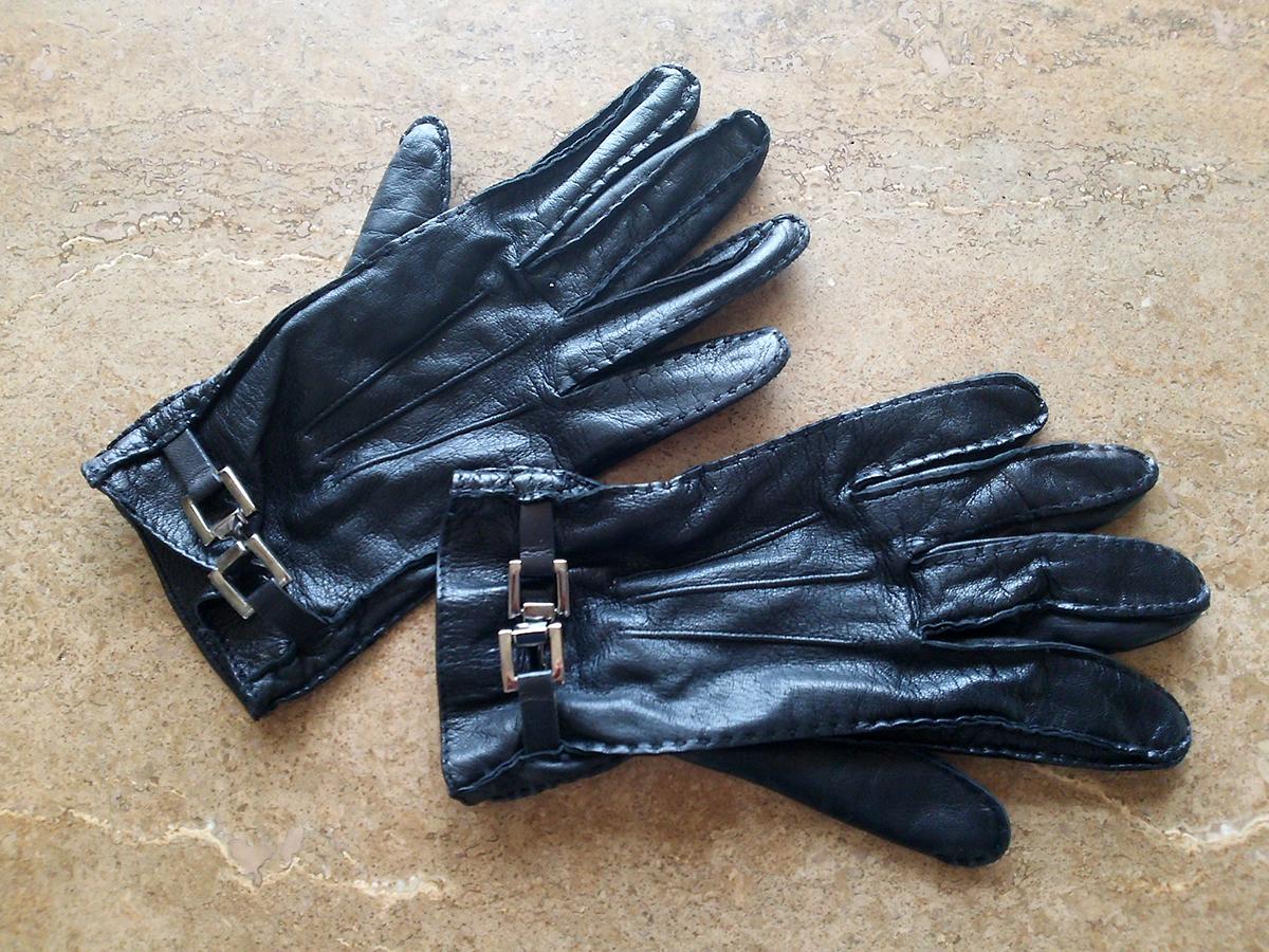 グッチの革手袋