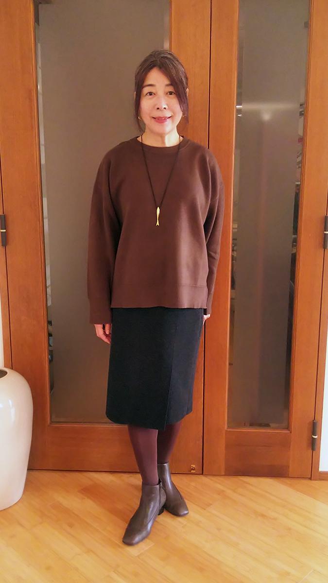 ラルフローレンのニットスカートとのコーデ