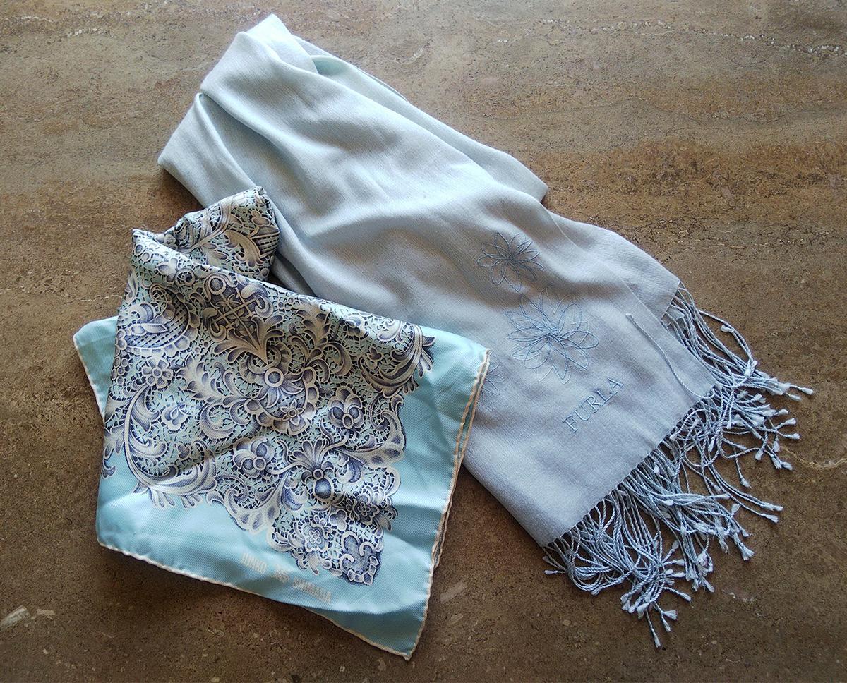 ブルーグレーのストールとスカーフ