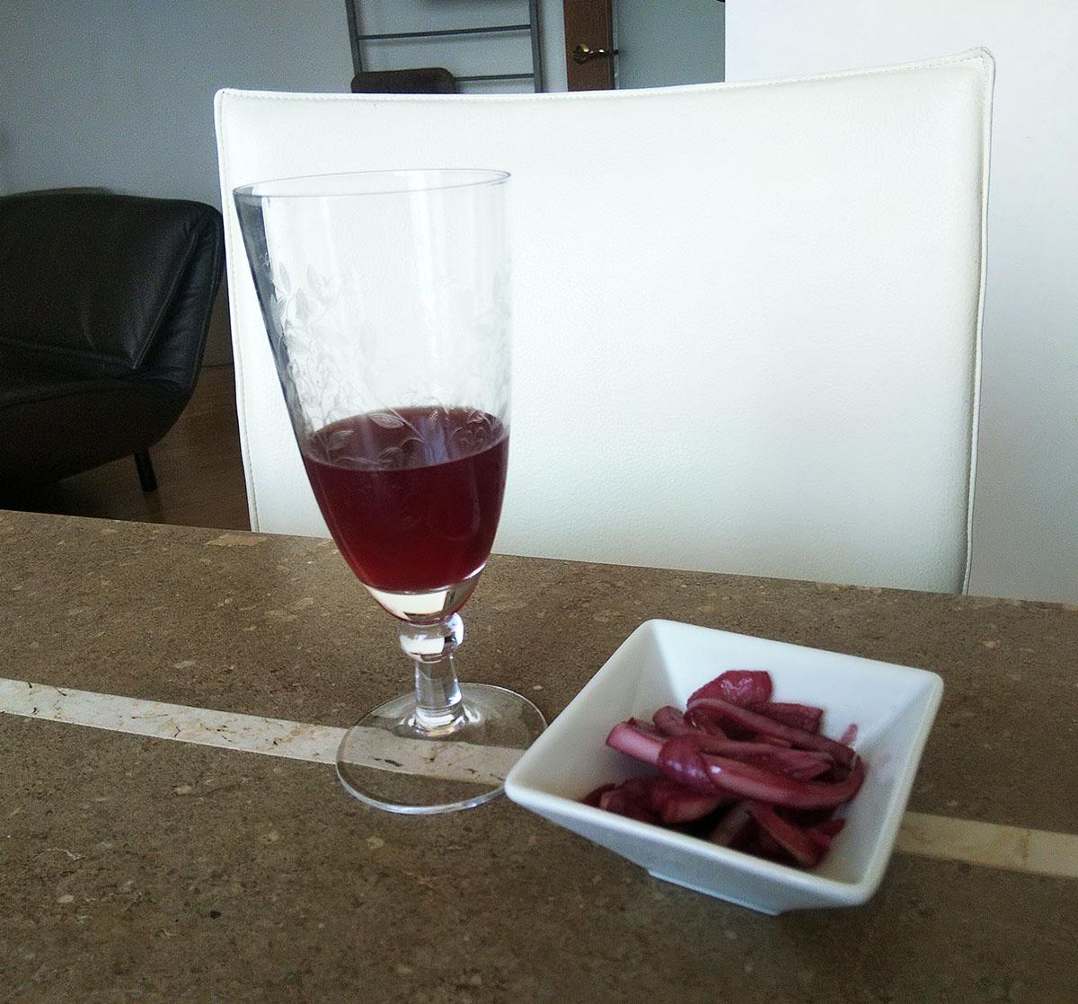 ワイングラスに入れたところ