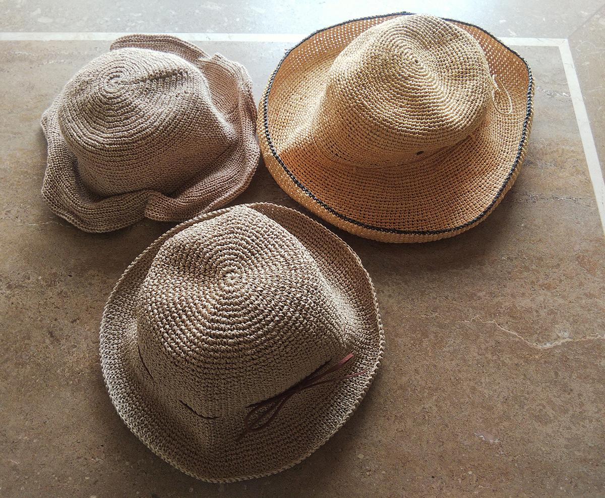 キャメルカラーの夏帽子3点