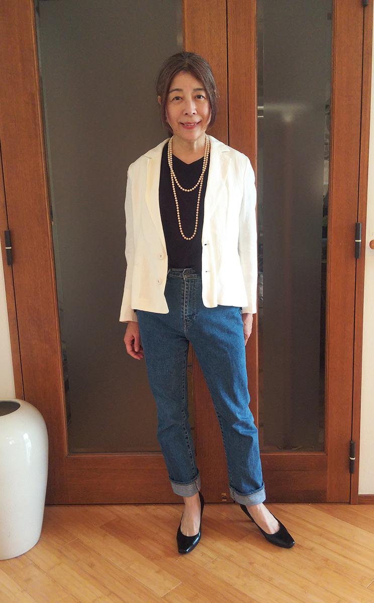 リネンの白ジャケット
