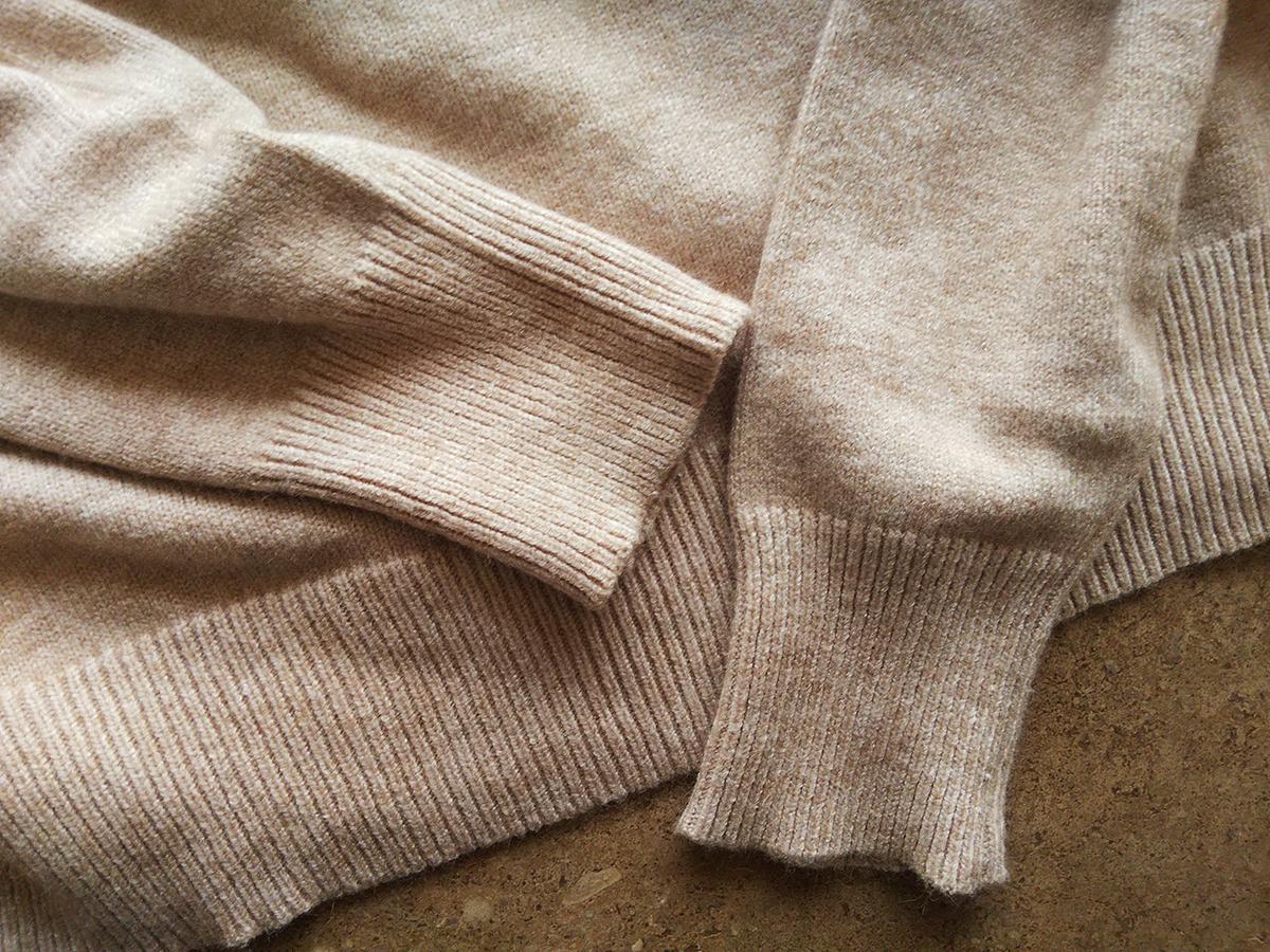 袖口、裾のリブ