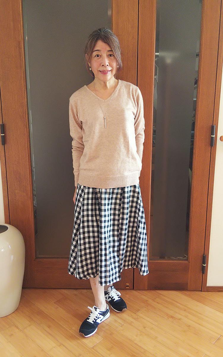 ギンガムチェックのスカートとコーデ