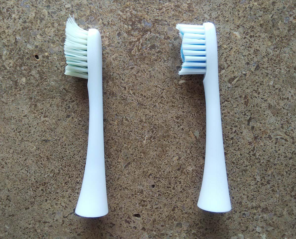使用済み歯ブラシと新品の比較
