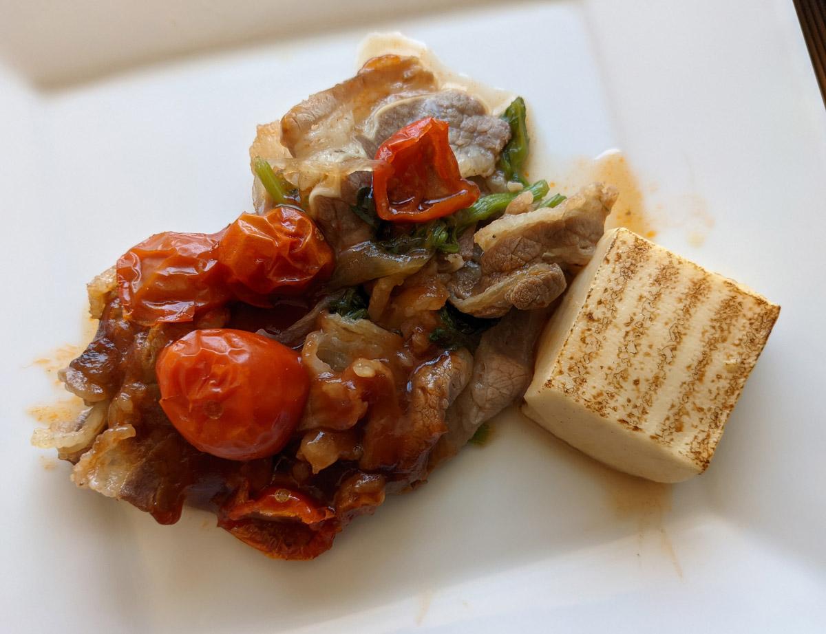 牛肉のトマトすき焼き