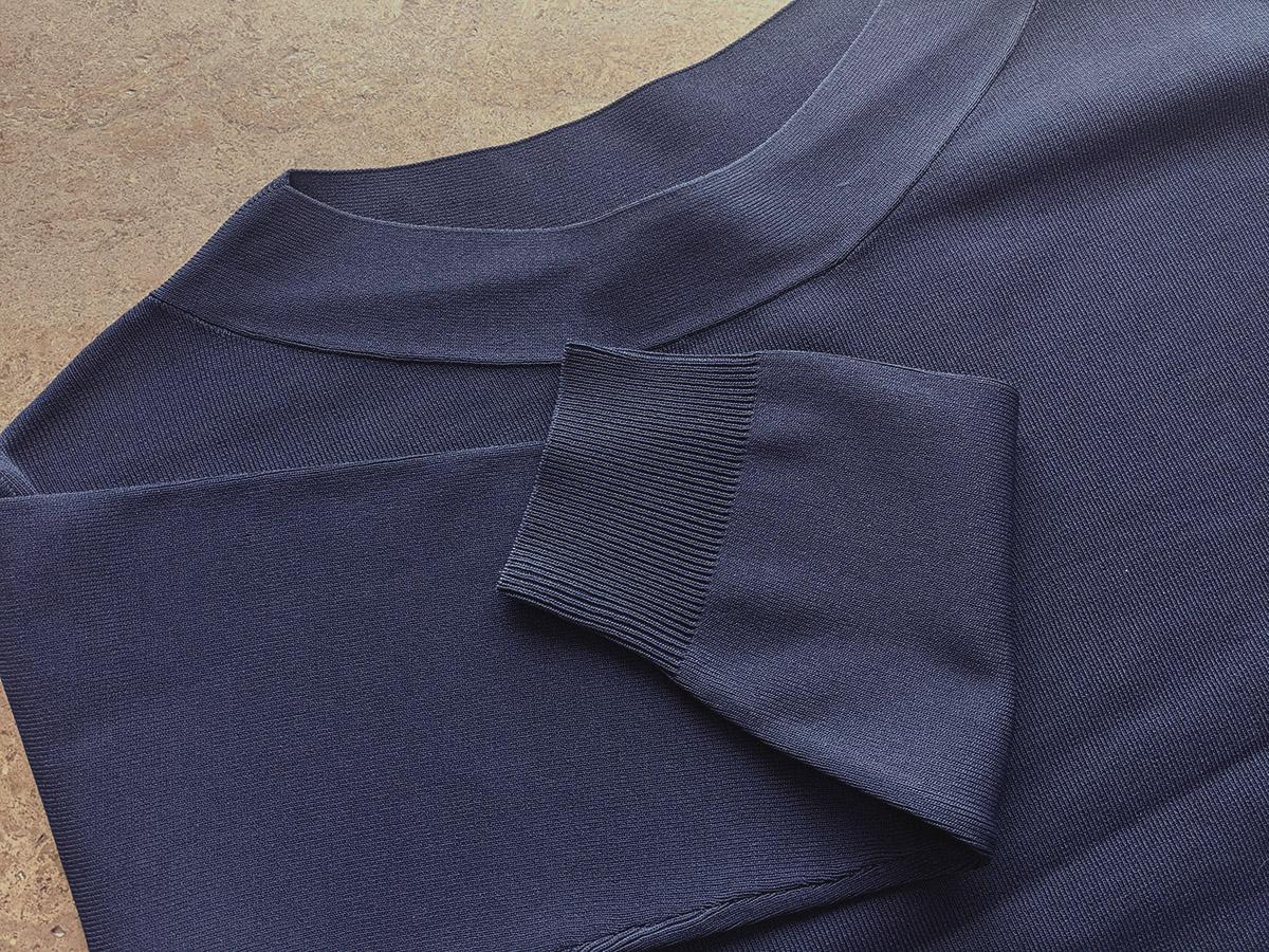 総針編み・ボートネックセーター