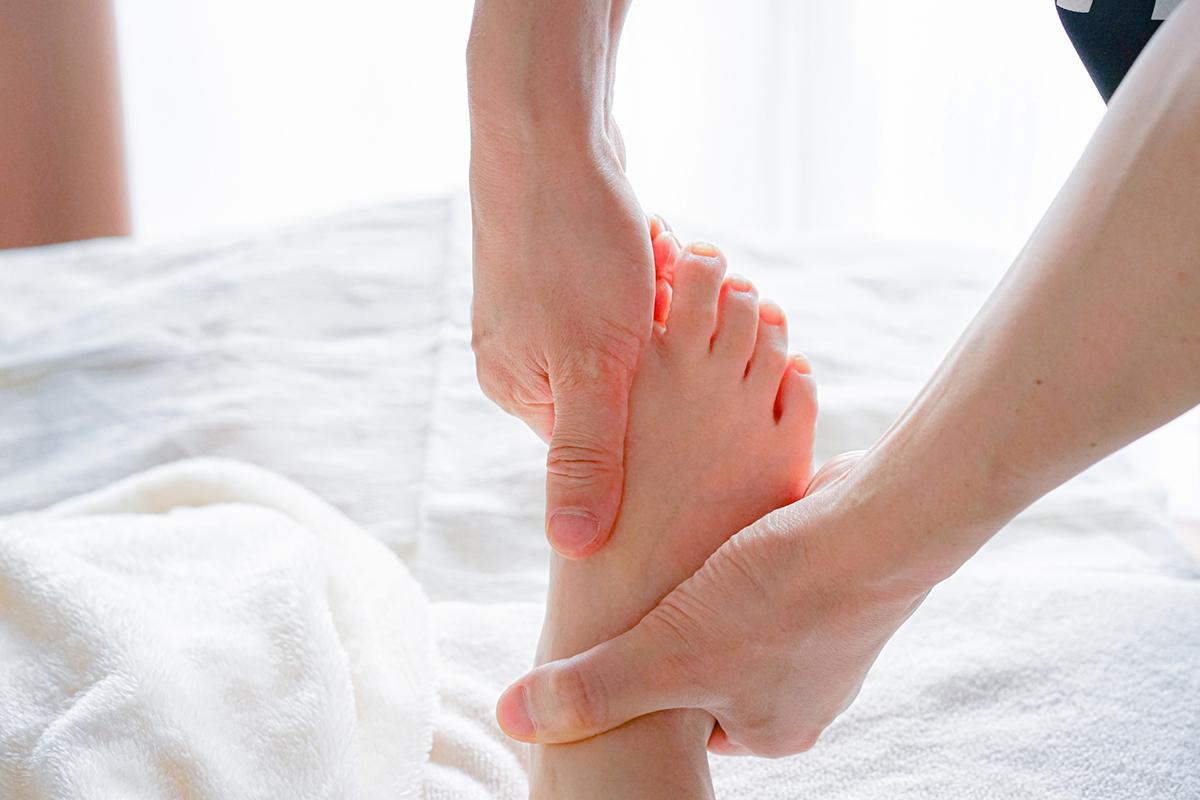 足のリンパマッサージ