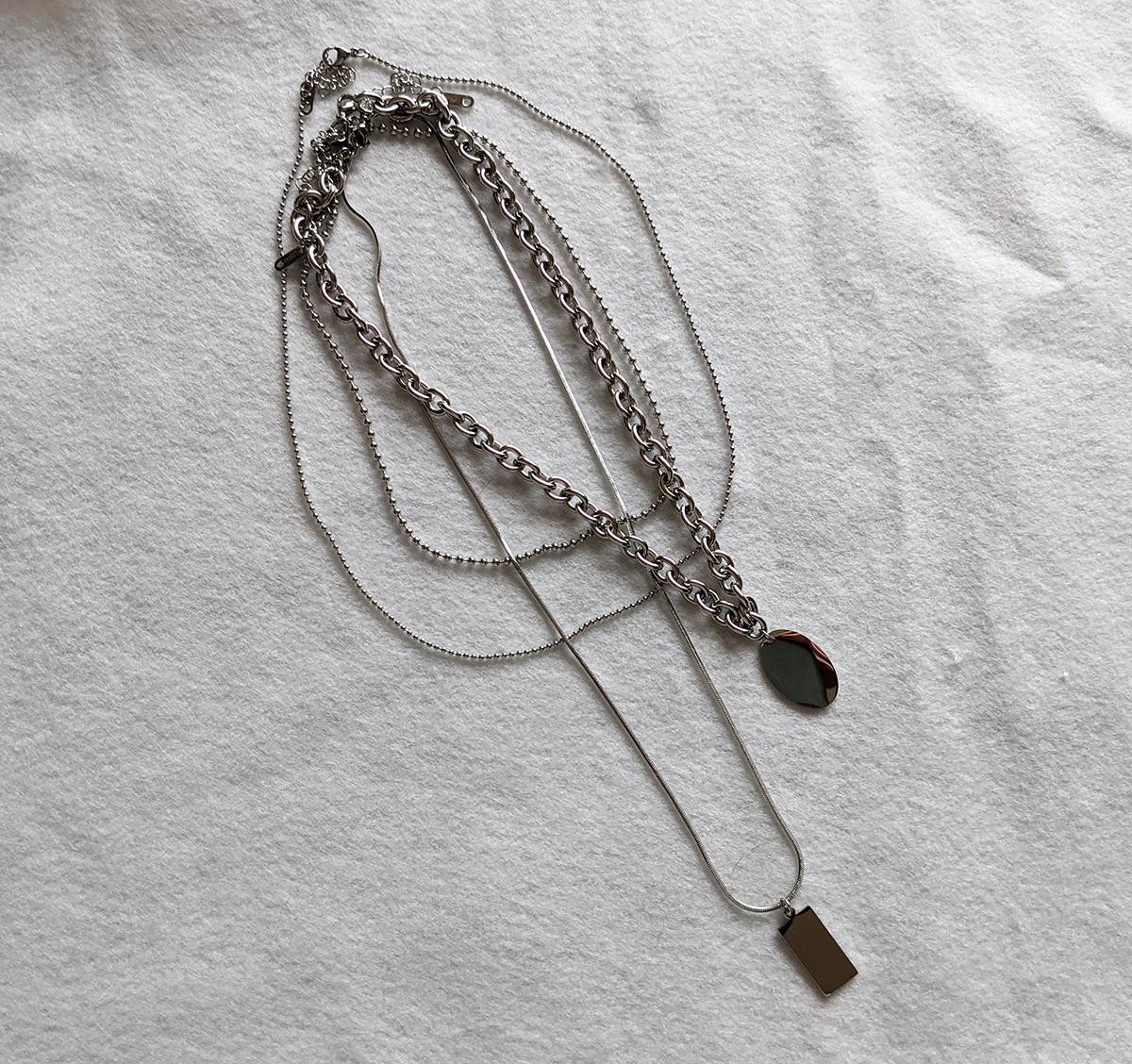 4連のネックレス