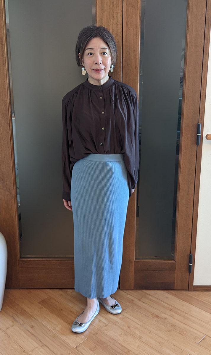 シャリ感リブニットスカートとのコーデ