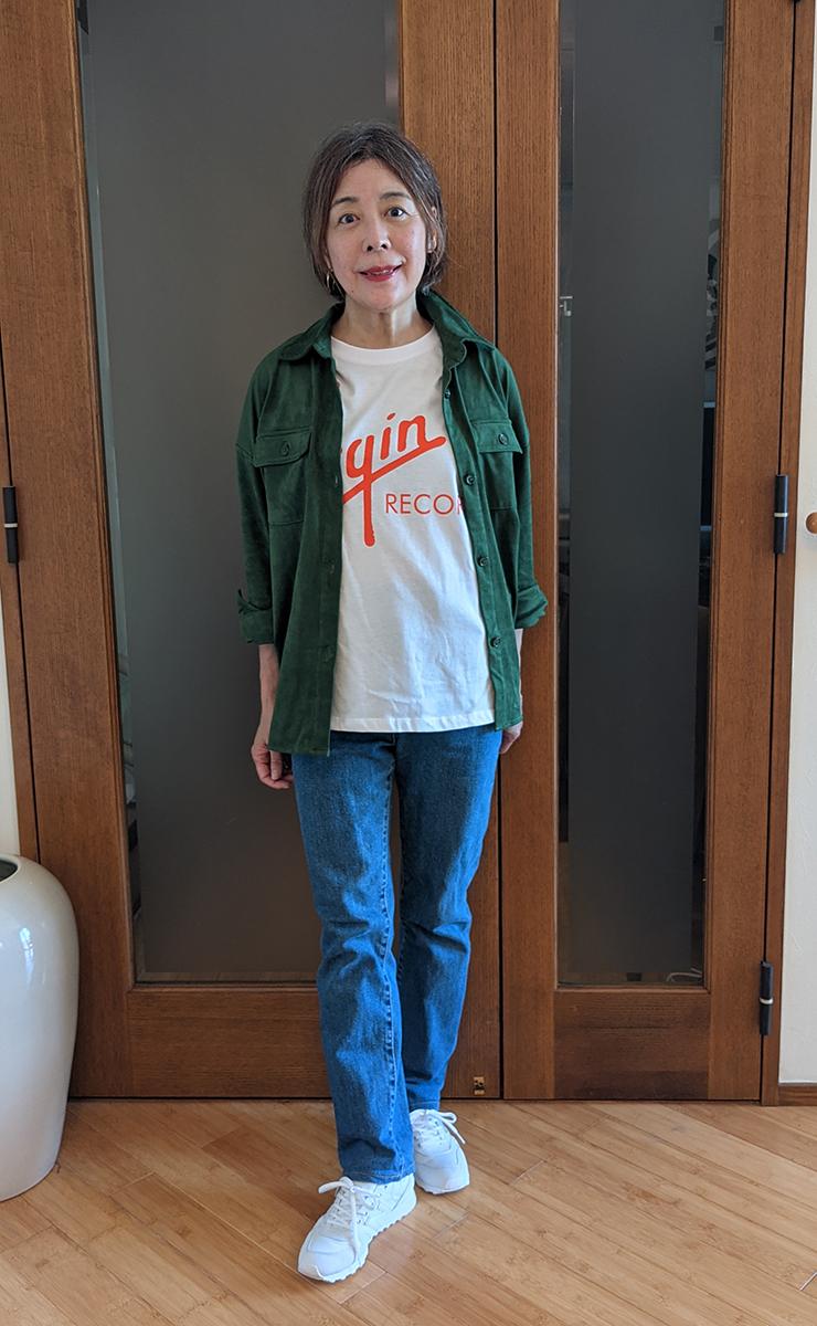 ロゴTシャツとのコーデ