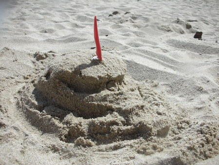 砂で描いたザク