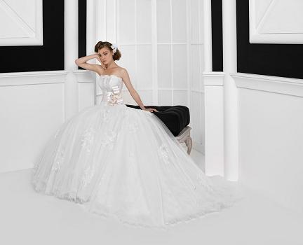 ウェディングドレスの人気ブランド5選 で使用する画像 RSクチュール ウェディングドレス 人気ブランド