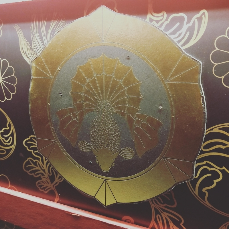 アートアクアリウムの展示の家紋のような装飾