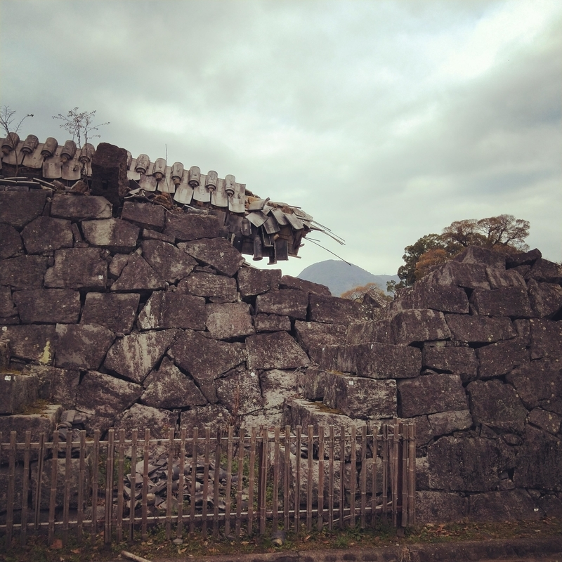 熊本城の崩壊した塀