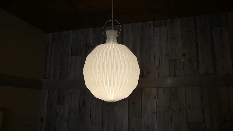 インテリアデザインに活躍する照明器具(LE KLINTのもの)