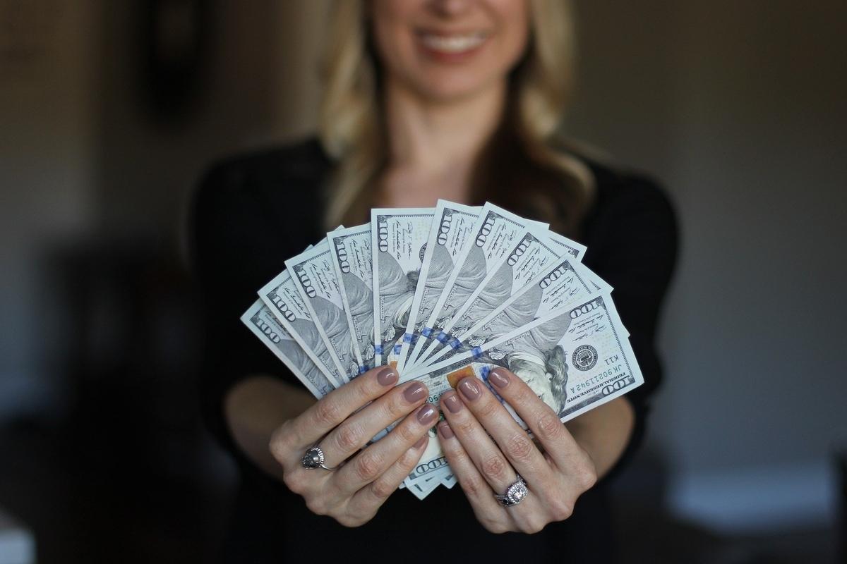 過去の自分に教えてあげたい】30代男性がお金をかけて良かった物、良くなかった物ランキング! - 独身貴族30代が提案する人生攻略blog