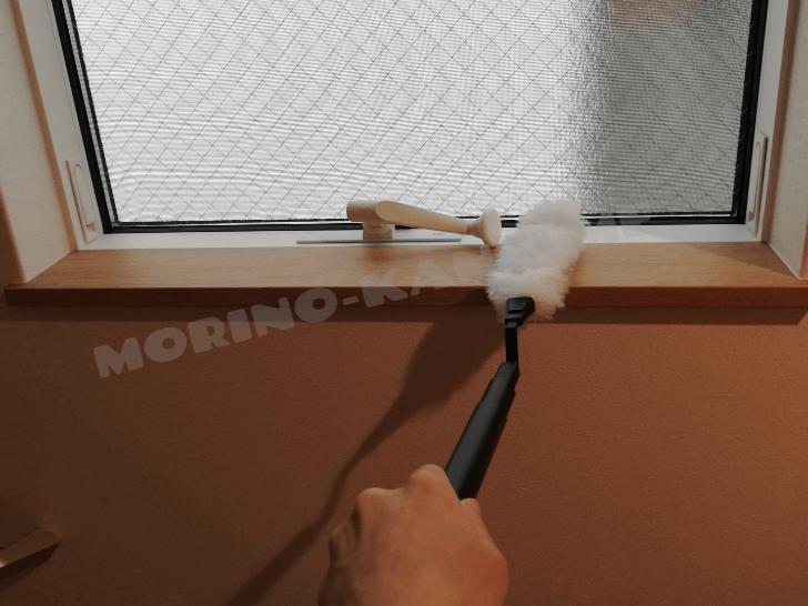 アイリスの静電モップは窓枠掃除も楽ちん