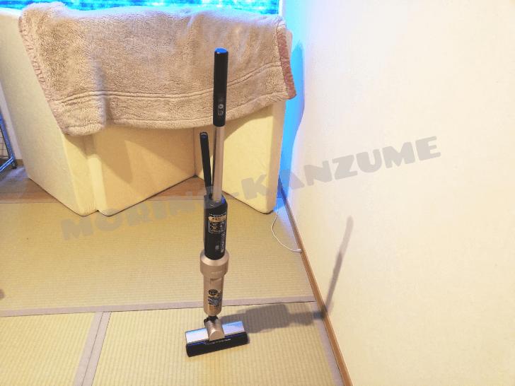 アイリスオーヤマのスティッククリーナーは自立するから便利