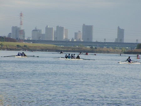 #1HoA:スタート地点へ回漕中のクルー