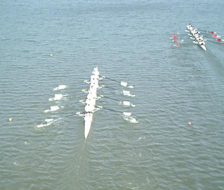 H190430東商戦OB2000mレース:600m付近の両クルー(大きくリードされる)