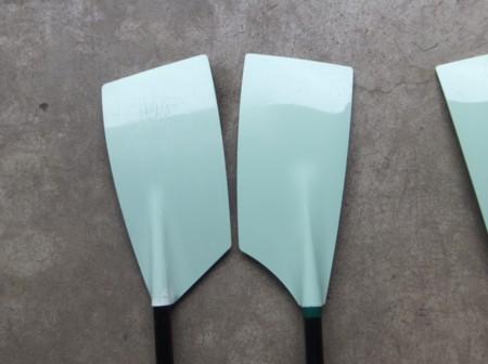 Croker Arrow(左)とC2 Smoothie2ブレードの比較