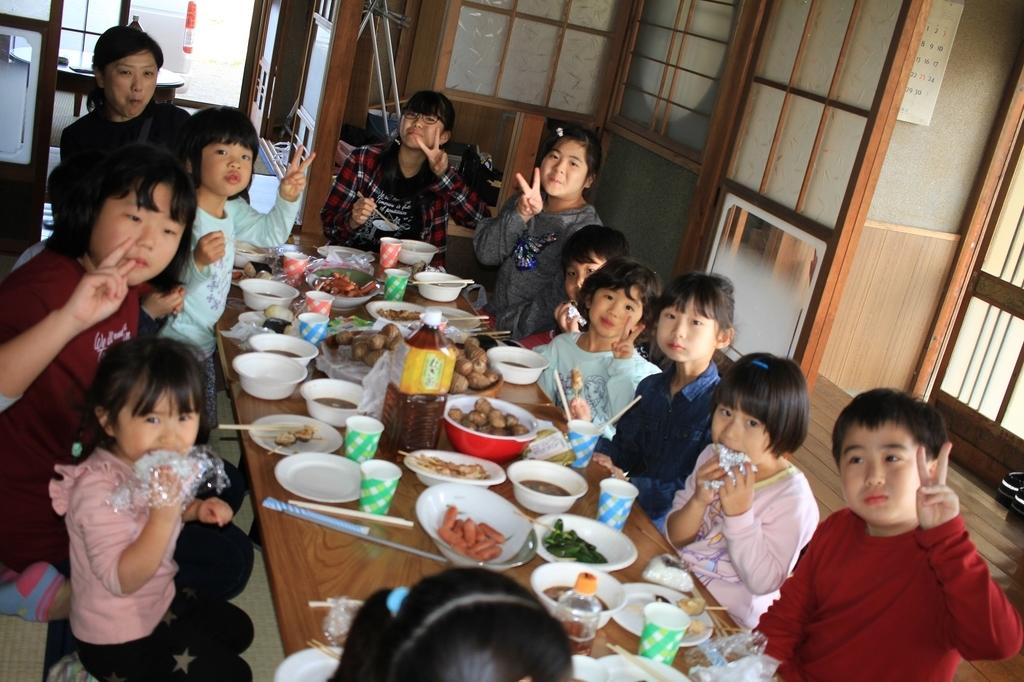大勢で食卓を囲むだけで、大人も子どももテンションは高め