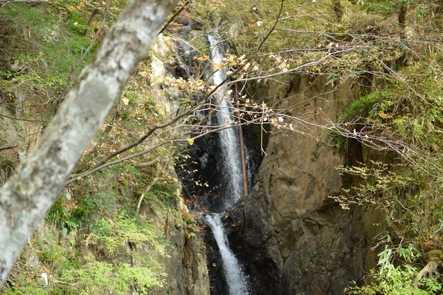 三段の滝の一段目と二段目