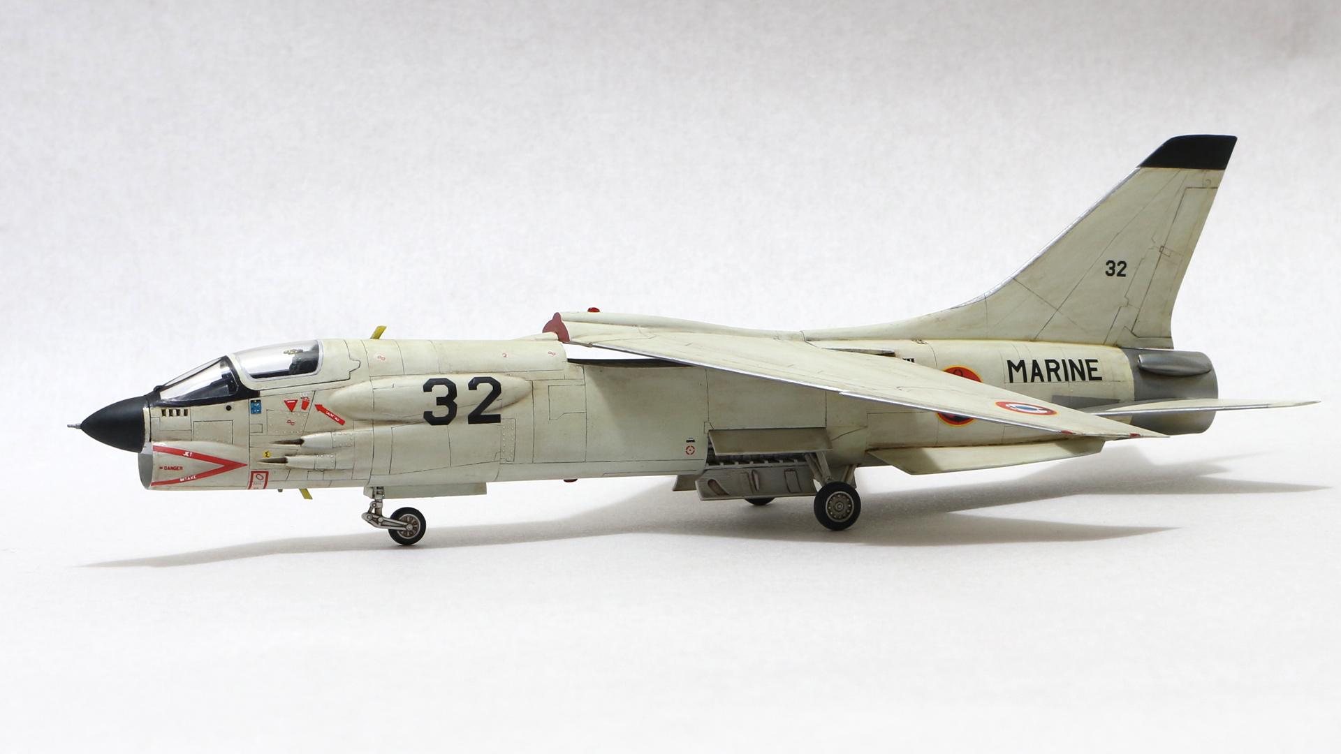 Hasegawa 1:72 F-8E(FN) Crusader