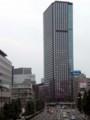 田町駅前の通りから西のほうを見る。