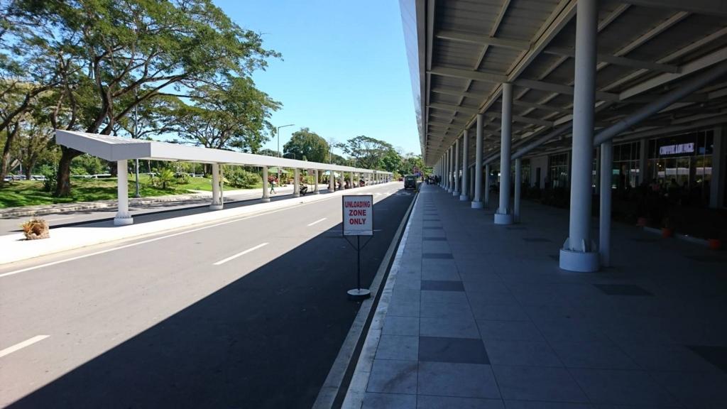 朝のプエルトプリンセサ空港