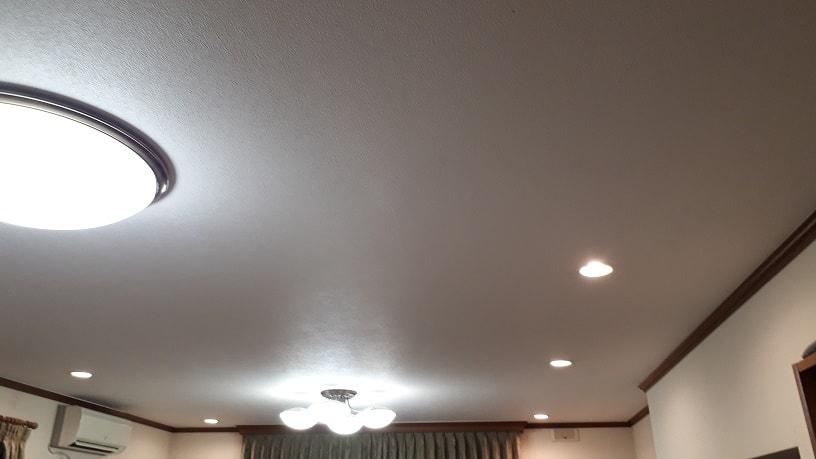 LED照明のある家