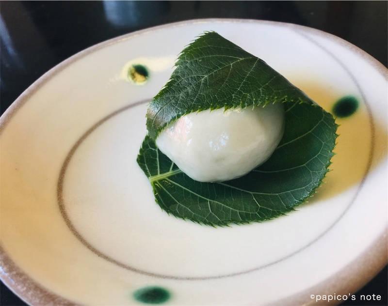 神楽坂 前田 生麩の饅頭