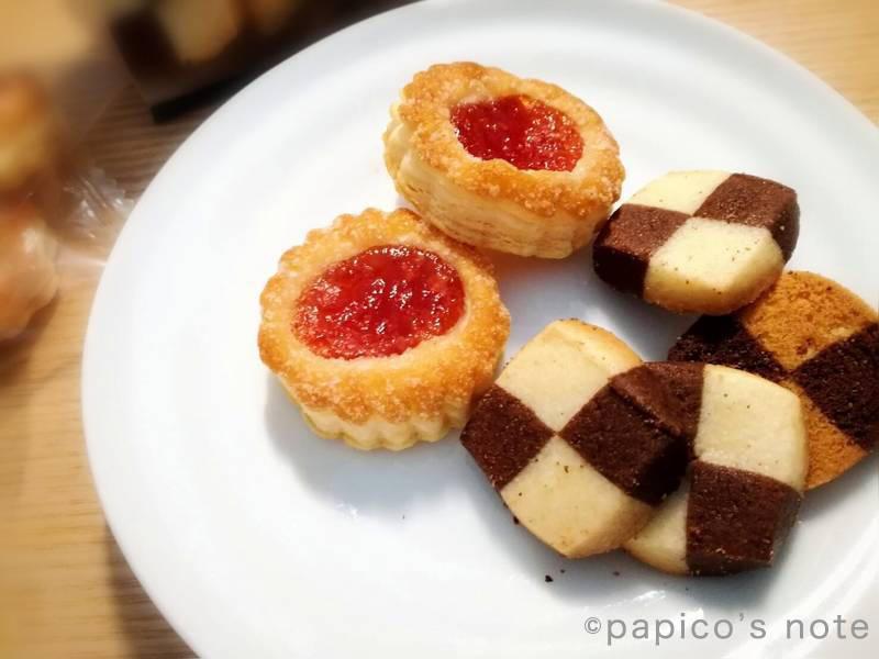 無印良品 いちごのジャムパイ、ココアとバニラのクッキー