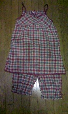 とても気に入っていたパジャマの在りし日の姿です