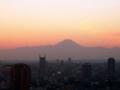 20081228 東京タワーより南西方面、日没直後の富士山