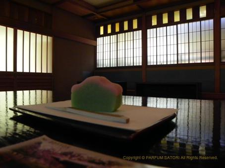 110519楽羽亭和菓子.jpg