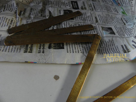 130913真鍮の折尺・たたみものさしcarpenter's rule.jpg