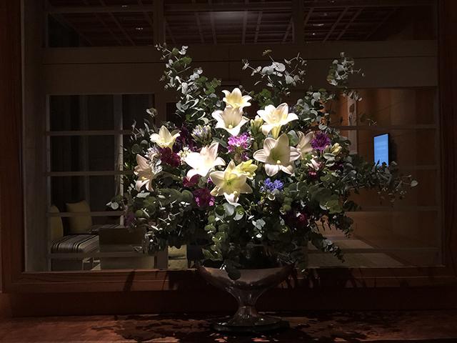 flower arrangement west.jpg