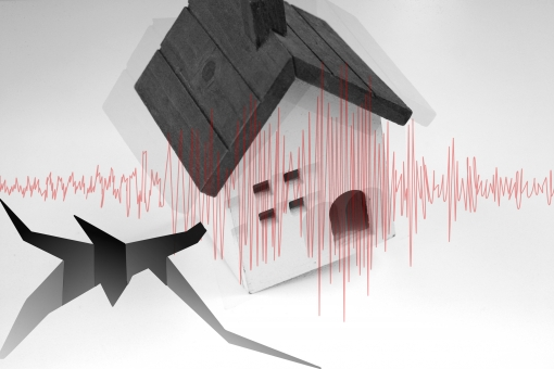 地震波形と家