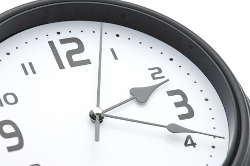 勤務時間を示す時計