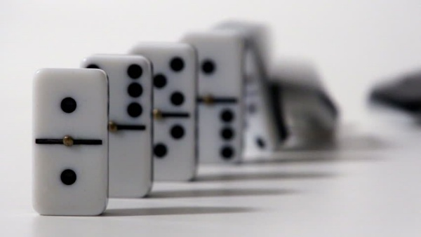 memeriksa syarat domino taruhan khusus profesional