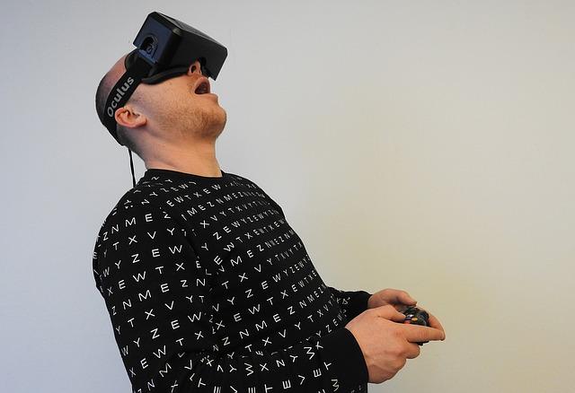 VR ゴーグル 比較 VR準備〜人気のヘッドマウントディスプレイまとめ